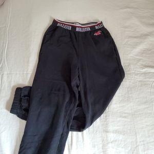 MUST GO!! | Hollister Sweatpants Black